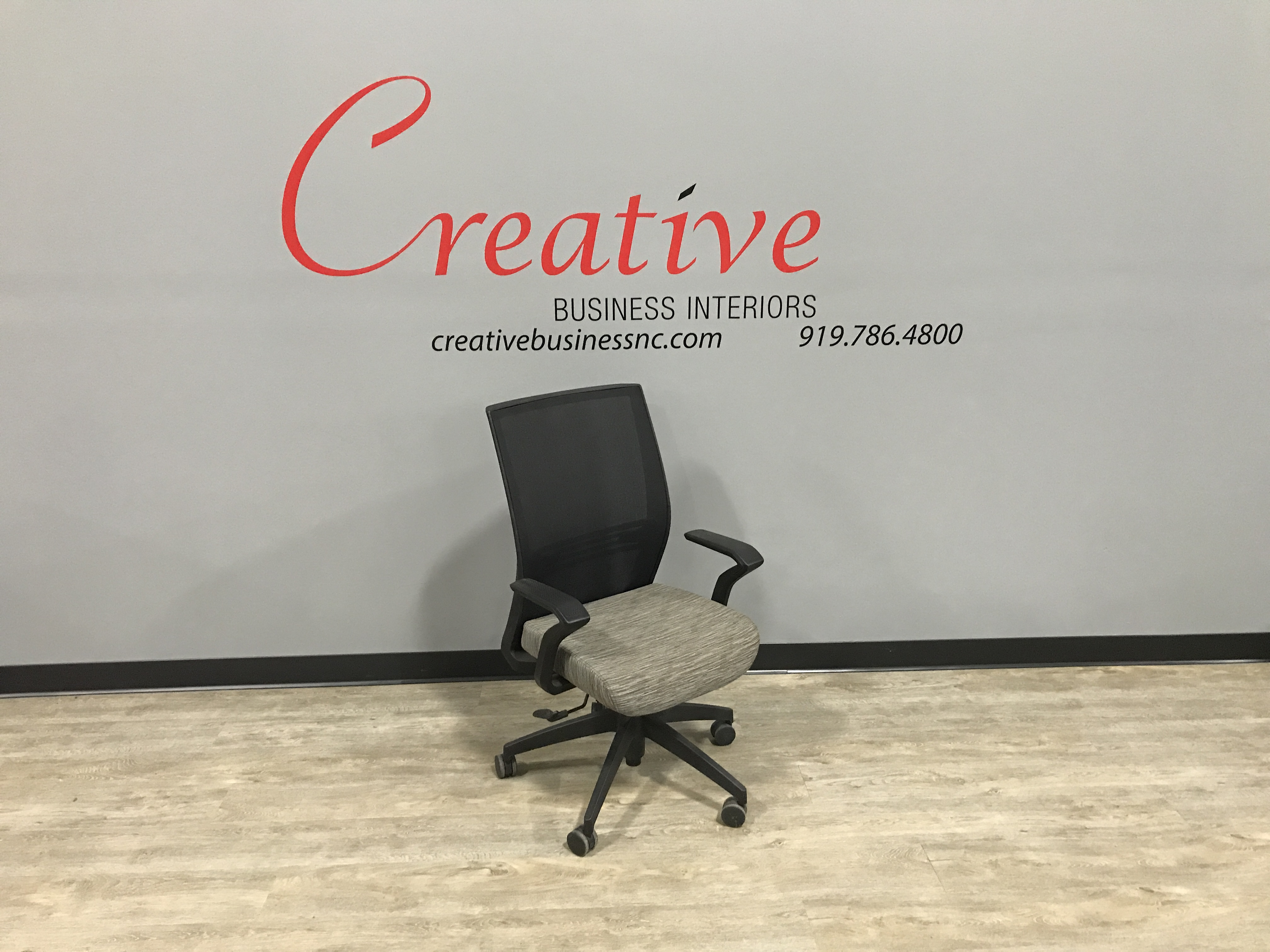 Magnificent Sitonit Amplify Conference Chair St 181017 Creative Beatyapartments Chair Design Images Beatyapartmentscom